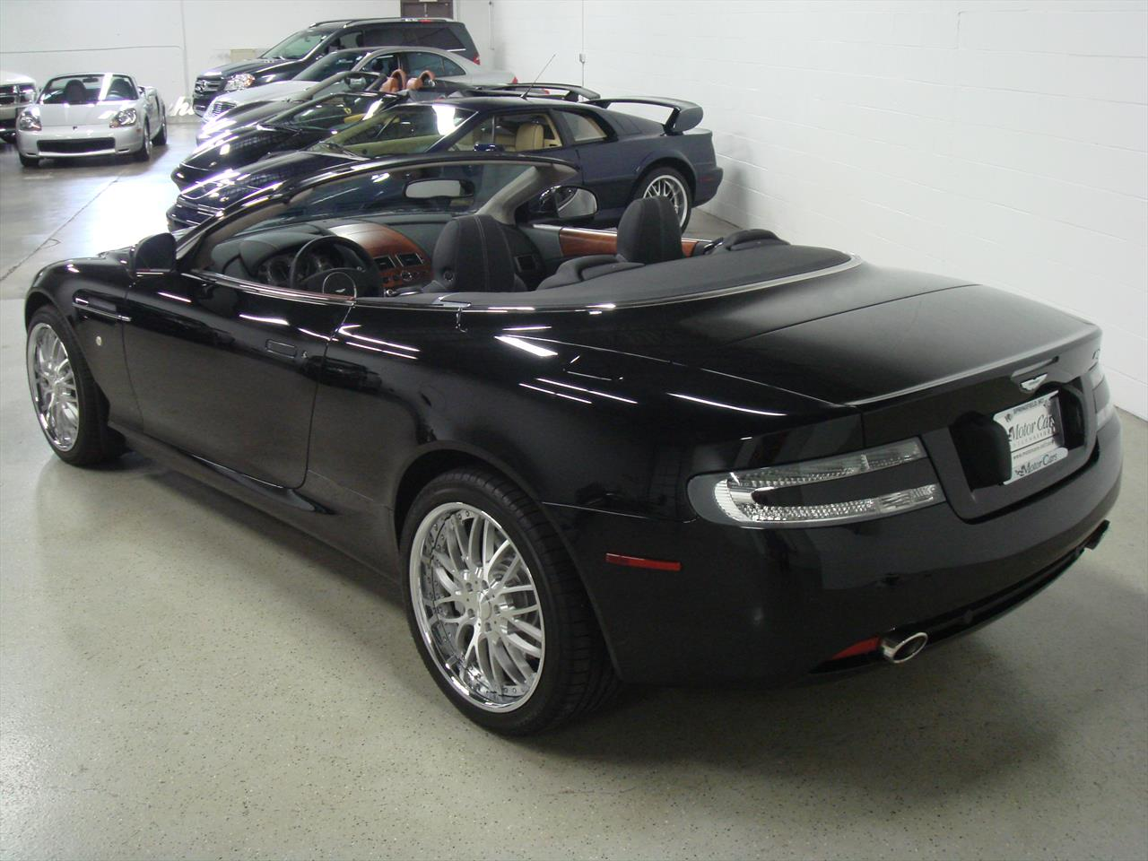 2011 aston martin db9 volante. Black Bedroom Furniture Sets. Home Design Ideas