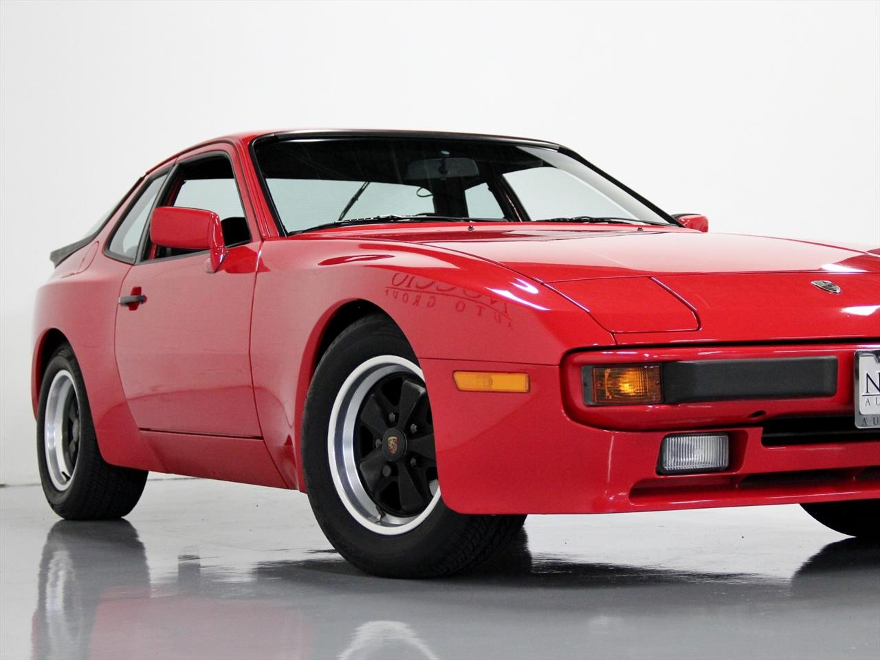 1984 porsche 944 coupe. Black Bedroom Furniture Sets. Home Design Ideas