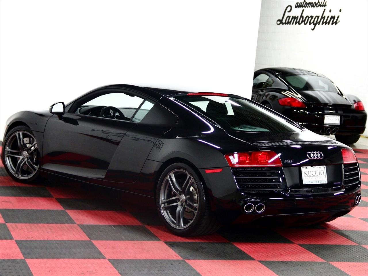 2011 audi r8 coupe. Black Bedroom Furniture Sets. Home Design Ideas