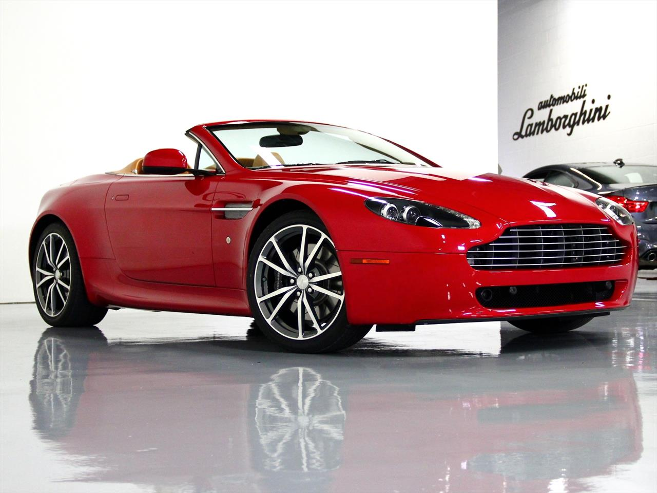 2010 aston martin v8 vantage roadster. Black Bedroom Furniture Sets. Home Design Ideas