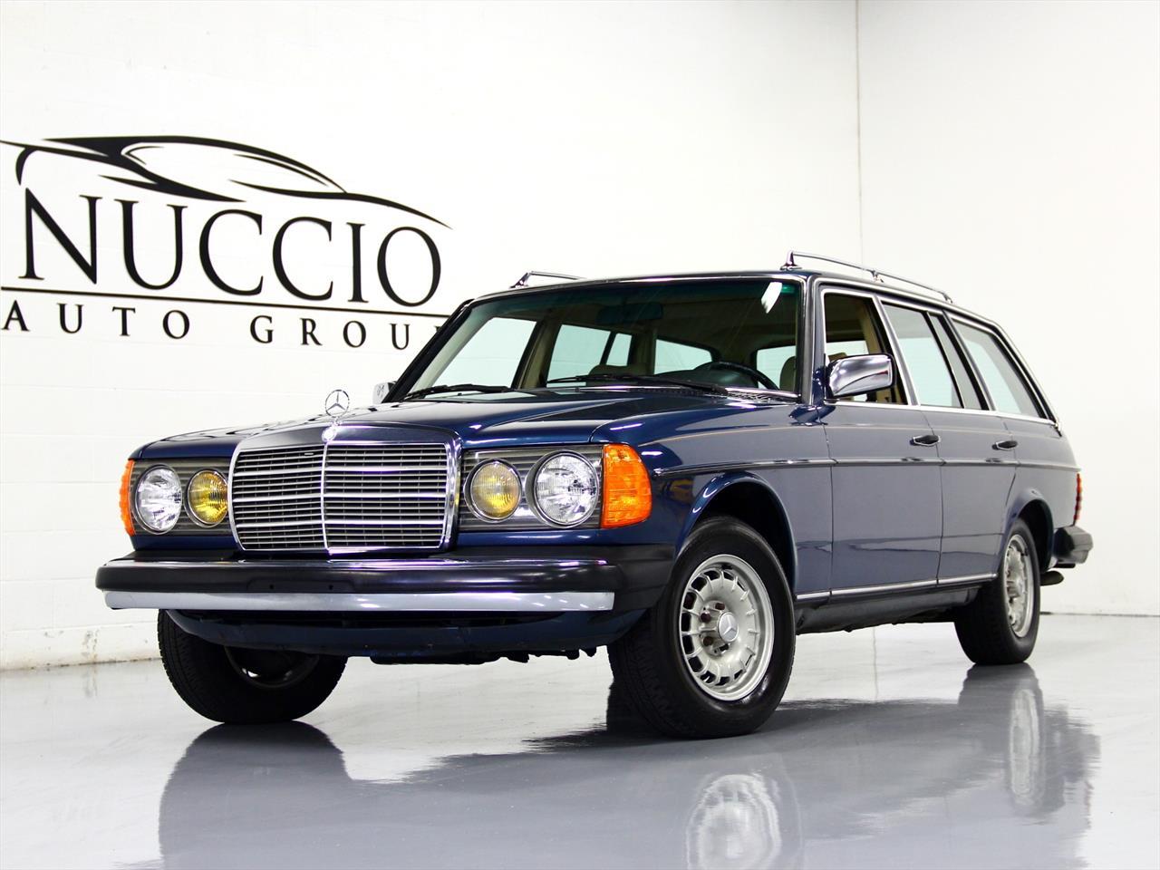 1983 mercedes benz 300td turbo diesel station wagon. Black Bedroom Furniture Sets. Home Design Ideas