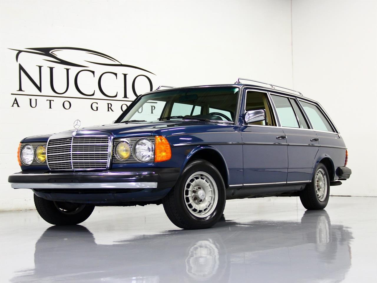 1983 mercedes benz 300td turbo diesel station wagon for Mercedes benz diesel wagon
