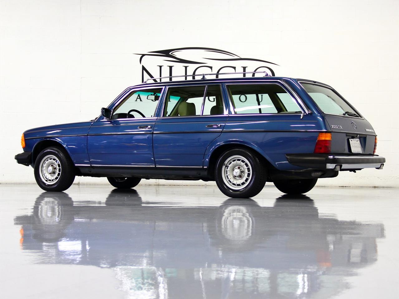 1983 mercedes benz 300td turbo diesel station wagon for Mercedes benz station wagon